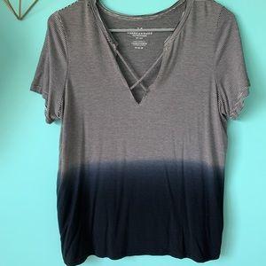 American Eagle size M shirt